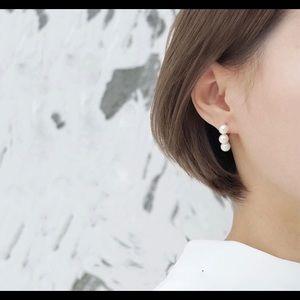Faux 3 pink pearls piercing Earrings
